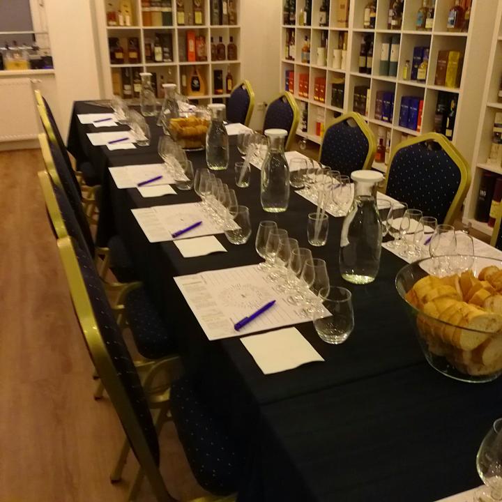 """SMWS """"All Things Peaty"""" Tasting (Hansemalt Scotch Malt Whisky Society Ardbeg Bunnahabhain Ardmore Bowmore Highland Park)"""