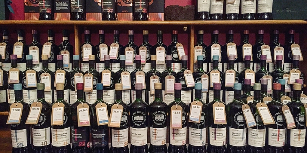 The Vaults by The Scotch Malt Whisky Society in Edinburgh (SMWS Tasting Room Member Bar Pub Place)