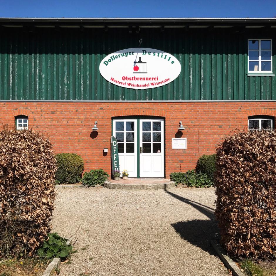 Dolleruper Destille in Northern Germany (Single Malt Whisky Rum Gin Spirit Distillery Visit Travel BarleyMania)